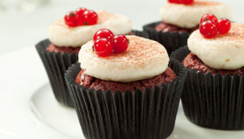 Lakeland Bakery - Red_Berry_Cupcakes